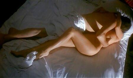 カップルはお互いを愛し始めました撮影ポルノで自宅 エロ 動画 無料 女性