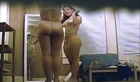 男は彼の陰茎にセクシーなメイドの女の子を植えた 高 身長 女 動画