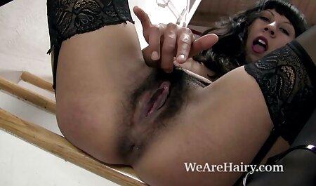 男の子は女の子、茶色の髪を性交し、口の中で兼を注ぐ。 女の子 同士 の セックス 動画