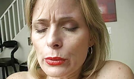 魅力的なブルネットと偽の鋳造 エロ 動画 女 マッサージ