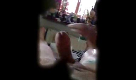 黒人の男は穴の中で彼のガールフレンドを性交する。 女性 無料 エロ 動画