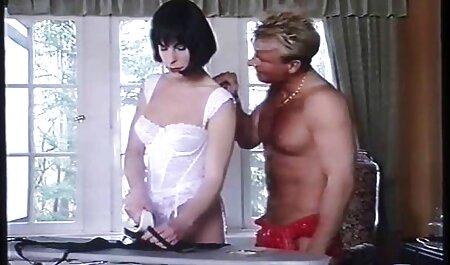 新しいガールフレンドの顔にいる 女性 の エロ ビデオ